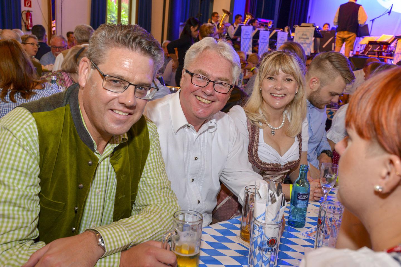 Oktoberfestfrühschoppen Sieglar, Foto: Carsten Seim